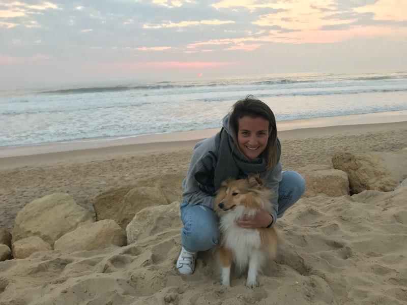 Victoria, reconvertie à la médiation animale avec l'aide de sa chienne Music